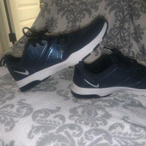 Women's Nike tennis shoes NAVY